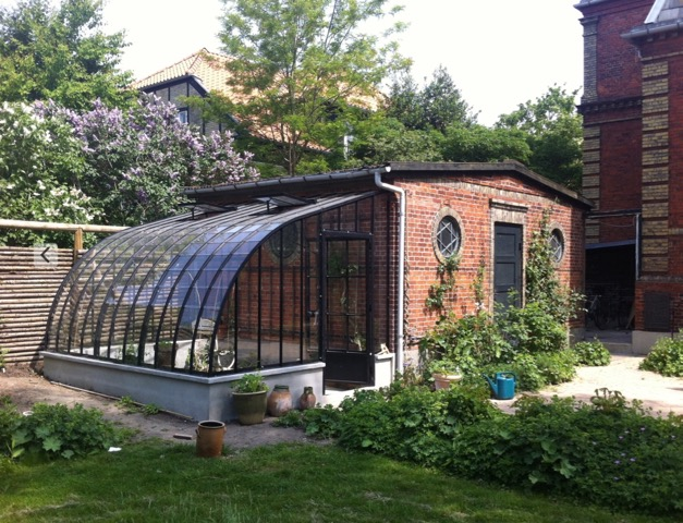 Lean to greenhouse built against a garden shed 1 DBG Classics