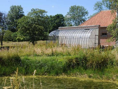 muurserre kopen installatie tegen muur in tuin dbg classics