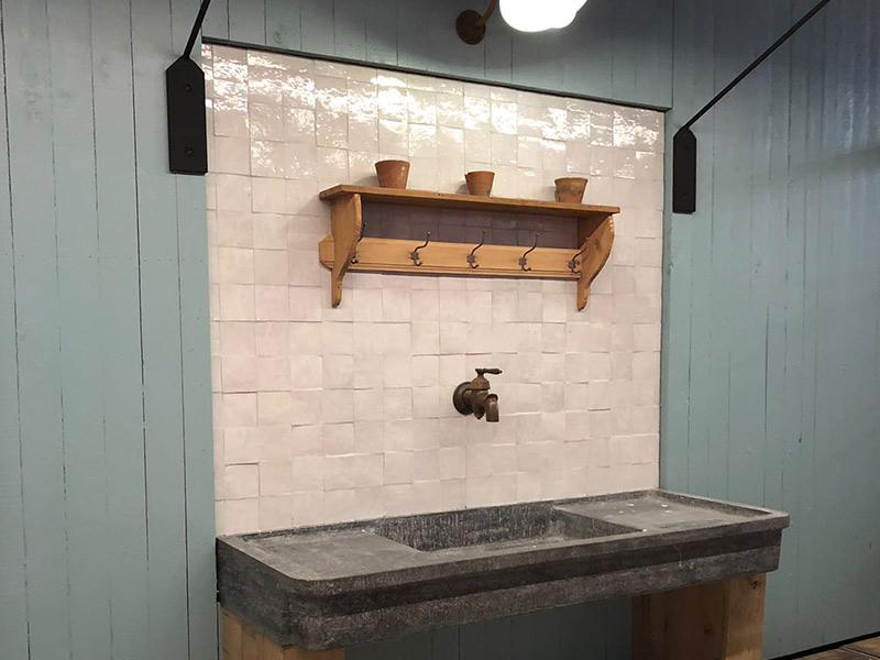 koperen kraan klassieke muurtegels vintage aanbouwserre stand dbg classics batibouw 2018