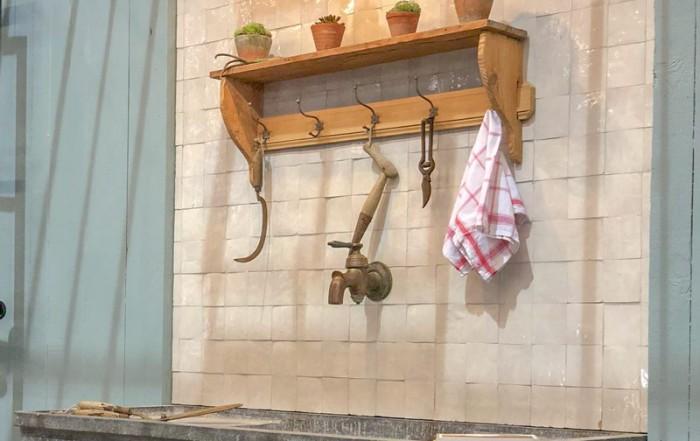 meuble cuisine classique plan de travail evier dans serre en fer forge dbg classics