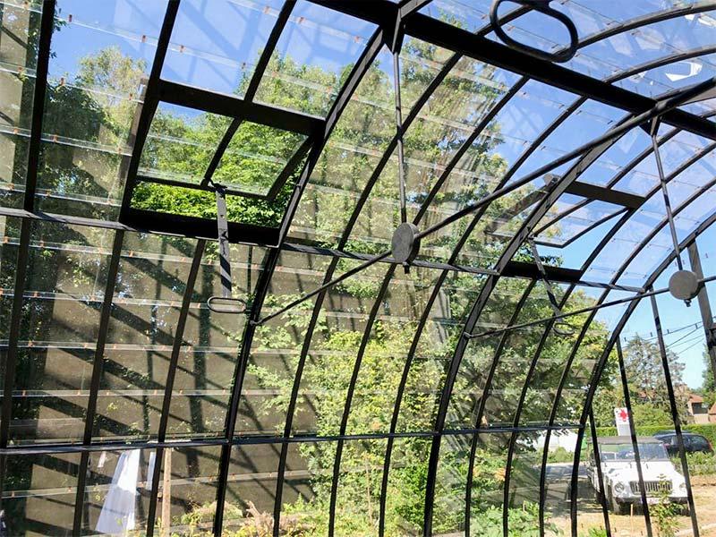 tuinkamer met gebogen smeedijzeren dak en geintegreerde ventilatieluiken klassieke stijl dbg classics