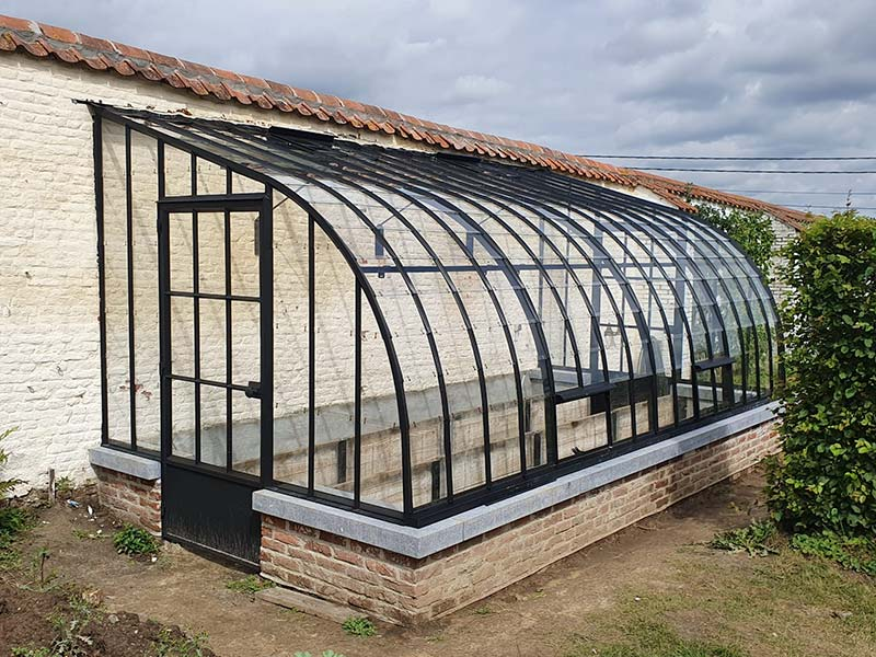 Jardin d'hiver rustique en fer forgé et verre avec possibilité de le construire soi-même