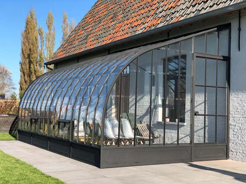 véranda de luxe sur mesure espace de vie supplémentaire élégant sur la terrasse solarium dbg classics